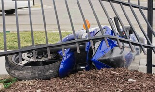 Quartu Sant'Elena, 20enne si schianta con la moto contro un palo e muore