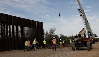 Nuovo schiaffo a Trump, bloccati i fondi del Pentagono per il muro al confine col Messico