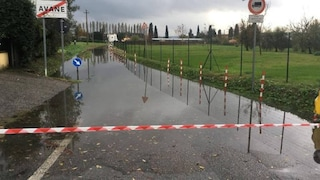 Maltempo in Toscana: allagamenti a Pistoia e Prato per forti piogge, cresce il livello dei fiumi
