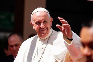 Papa Francesco accoglierà 43 profughi dall'isola di Lesbo