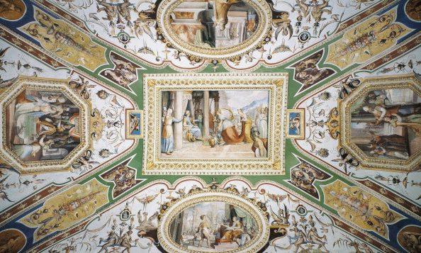 Anche Palazzo Corsini resterà aperto domenica 8 dicembre 2019.