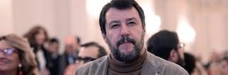 Matteo Salvini indagato per 35 voli di Stato illegittimi: l'ipotesi di reato è abuso d'ufficio