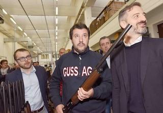 Quello che Salvini non dice sulla legittima difesa: perché la sua riforma è solo propaganda