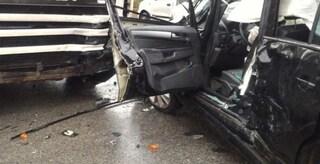 Tragico schianto tra auto e tir sulla provinciale a Udine, Lorenzo muore a 22 anni