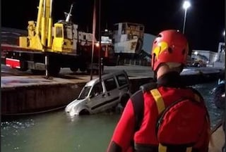 Termoli, sbaglia manovra in retromarcia e finisce in mare: Giuseppe muore annegato nell'auto