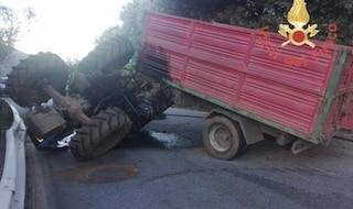 Rientra in Sicilia per le vacanze, 58enne muore schiacciato da un trattore mentre aiuta un amico