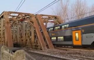 Paura a Piacenza, scontro tra treni e forte boato: quattro feriti e circolazione sospesa