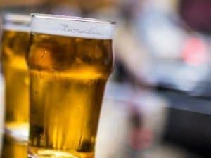 Belgio, stop a birra e patatine fritte: possibile conseguenza del cambiamento climatico
