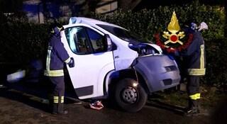 Tremendo schianto a Montebelluna, furgone si spezza in due nell'incidente con l'auto