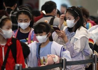 Coronavirus, l'esperto: picco arriverà tra 7-10 giorni. C'è il primo caso di contagio negli USA