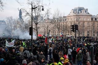 Francia, dopo 38 giorni di scioperi e proteste il governo ha ritirato la riforma delle pensioni