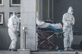 """Cina, possibili 1700 casi del virus """"misterioso"""": paura per il Capodanno cinese"""