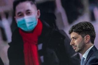 """Il ministro Speranza sul Coronavirus: """"Sì allo stop dei voli con la Cina. La salute è la priorità"""""""