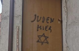 """""""Qui ebrei"""" sulla casa di Lidia Rolfi. Il figlio: """"Temeva che certe cose potessero riaccadere"""""""