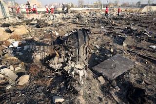 Iran, il Boeing è stato abbattuto da due missili a 30 secondi uno dall'altro. Primi arresti