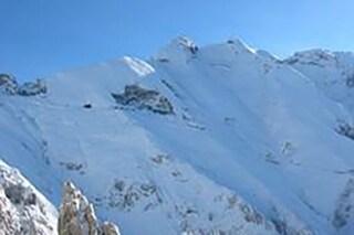 Massa Carrara, precipitano da una parete rocciosa delle Alpi Apuane: morti due giovani