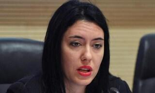 """Il Ministro dell'Istruzione Lucia Azzolina ha """"copiato"""" la tesi, la replica: """"Tutte sciocchezze"""""""