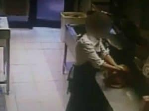 Cameriera fa la 'cresta' sul conto nel ristorante dove lavora: 75mila euro in 10 anni