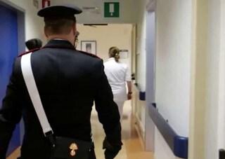 Derubava di portafogli e cellulari i pazienti all'ospedale di Orbassano, malato lo fa arrestare