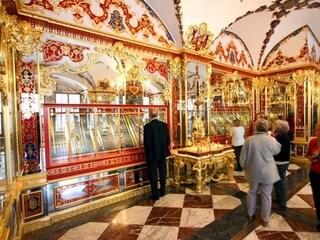 """Dresda, furto da un miliardo nella stanza del Tesoro: """"Refurtiva è in vendita sul dark web"""""""