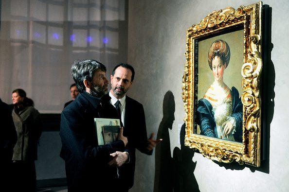 Il ministro Dario Franceschini insieme a Simone Verde, direttore del Museo del Complesso Monumentale della Pilotta di Parma.