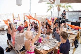 """Festa finita alle Isole Baleari, stop ai tour alcolici a Ibiza e Maiorca: """"Turisti troppo ubriachi"""""""