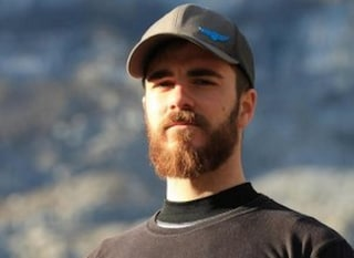 Caltanissetta, si lancia da un viadotto con la tuta alare e muore: Luca Barbieri aveva 25 anni