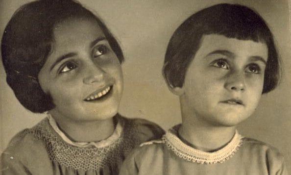 Margot e Anna Frank.