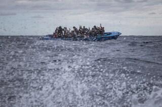 """Migranti, la denuncia di Sea Watch: """"Turchia è complice di respingimenti illegali di esseri umani"""""""