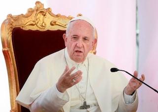 """Il Padre Nostro cambia dal 29 novembre: """"E non ci abbandonare alla tentazione"""" diventa obbligatorio"""