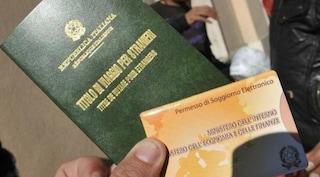 Parma, immigrati pagavano per falsi contratti e permesso di soggiorno: 7 arresti