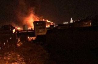 Spagna, esplode impianto petrolchimico a Tarragona: un morto e almeno sei feriti