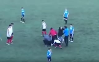 """""""Ai genitori che insultano gli avversari dei figli sui campi di calcio: questo non è sport"""""""