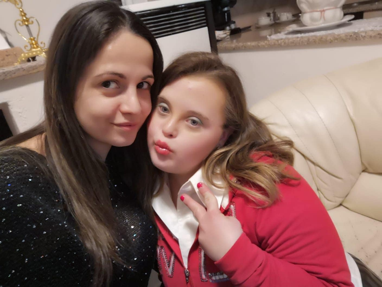 Marianna con la sua amica Mary