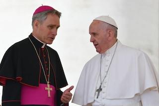 """""""Il Papa ha congedato padre Georg Gaenswein"""", Vaticano precisa: """"Ridistribuzione di impegni"""""""