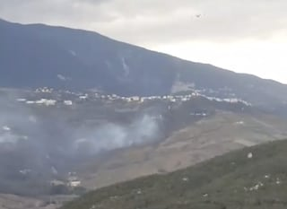 """Incendio a Palombaro, fiamme alte minacciano casa di riposo: """"Evacuazione immediata"""""""