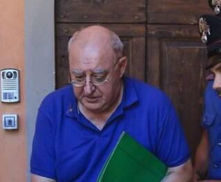 Calenzano, bambina violentata dal prete: don Glaentzer perde lo stato clericale