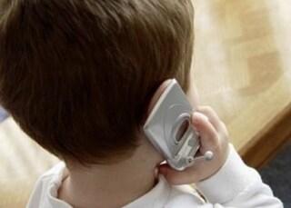 """""""Aiuto, la mamma è svenuta"""", a 8 anni salva la madre seguendo le indicazioni del 112"""