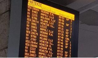 Padova, 50enne si getta sui binari e muore investito. Treni cancellati e in ritardo