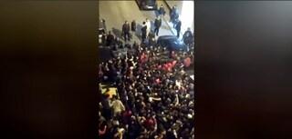 Palermo, 21enne ucciso a coltellate fuori da una discoteca: a Cinisi folla tenta linciaggio