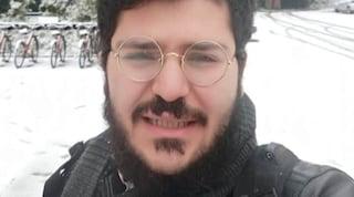 """Egitto, Zaki trasferito: famiglia lo vede """"per meno di 1 minuto"""". Domani si decide su scarcerazione"""
