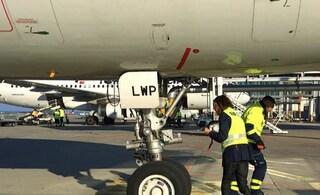 Allarme su volo Bari Milano, aereo costretto a tornare indietro per atterraggio di emergenza