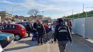Pescara, macabra scoperta vicino alla stazione: il cadavere di un uomo chiuso in un'auto
