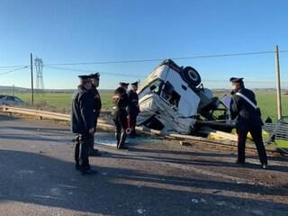 Taranto, scontro tra un tir e tre auto: tre morti e tre feriti, uno è gravissimo
