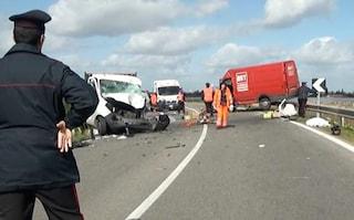 Incidente Decimomannu, scontro tra camion e furgone: un morto e quattro feriti, in coma 25enne