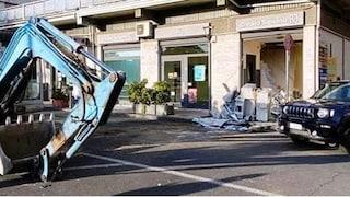 Trecastagni, fallito furto con spaccata in banca: sul posto i carabinieri, ladri in fuga