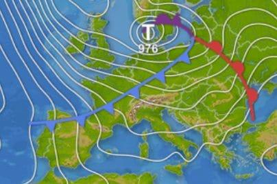 Carta sinottica ore 12:00 di oggi: fronte freddo pronto a valicare le Alpi