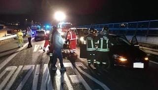 La Spezia, auto tampona il mini bus di una squadra locale: un morto e diversi feriti