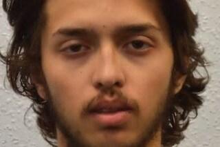 Attacco a Londra, l'aggressore è un 20enne estremista: era uscito dal carcere una settimana fa