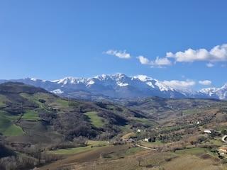 Previsioni meteo 9 febbraio: nubi in aumento e prime piogge su Liguria e Toscana